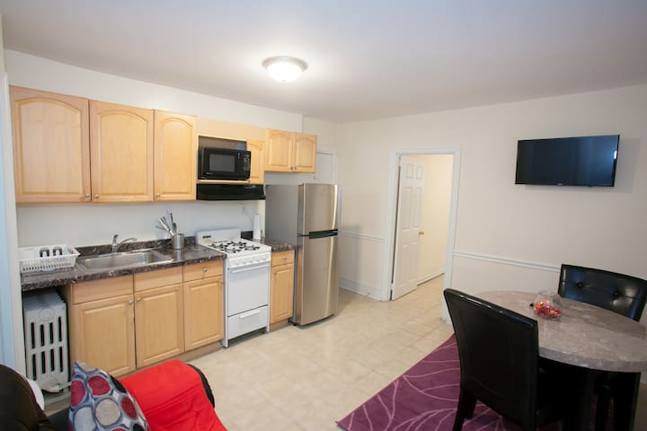 Private Basement-apt in Logan Circle DC!