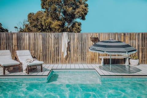 Littledoylees' Beach House w/ Magnesium Pool