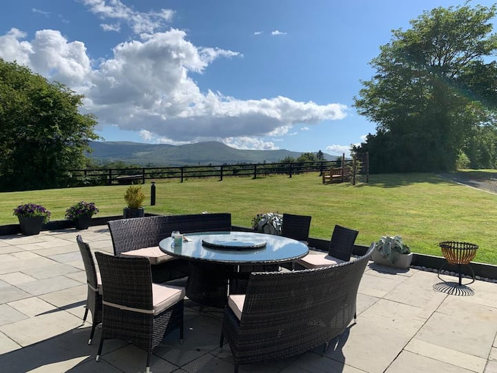 Suite on the Hill, Kenmare