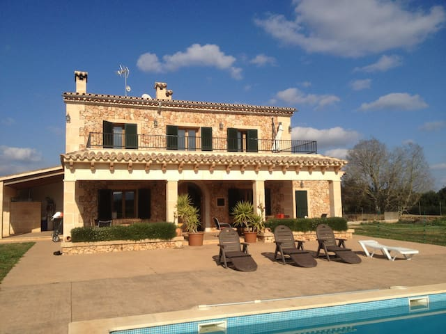 Charming Finca in Algaida - Algaida - Bed & Breakfast