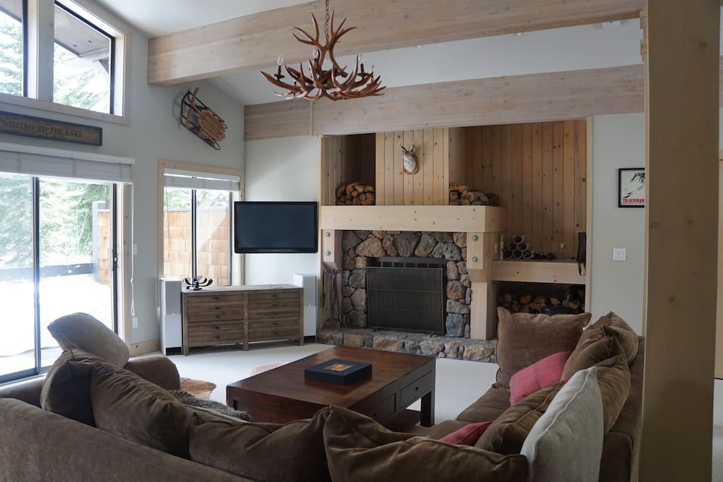 Living-room with real fire place