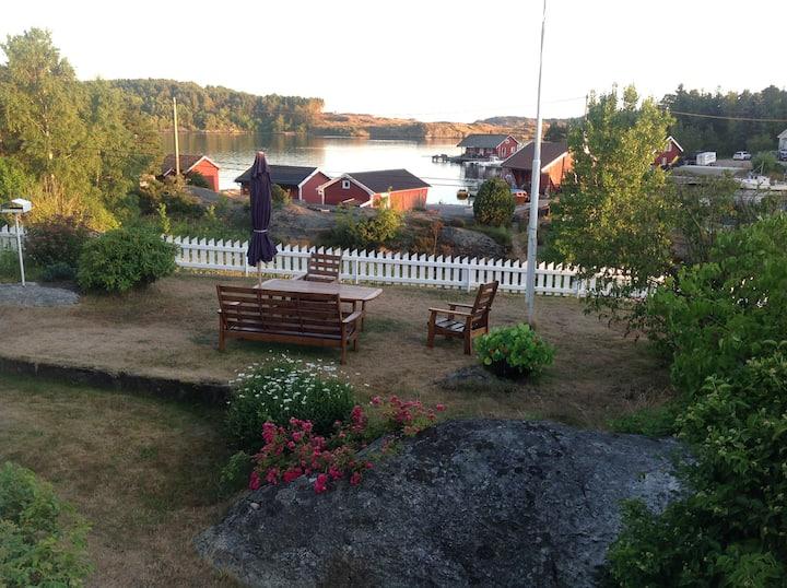 Sjarmerende hus 18 km vest for Kristiansand