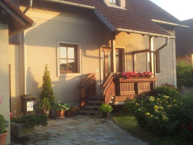Zimmer für zwei am Rande der Wachau - Rohrendorf bei Krems - Haus