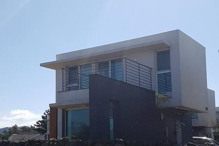 협재 바다 가고 싶었던 이층집 ( 제주, 해변, 단독, 타운하우스 )