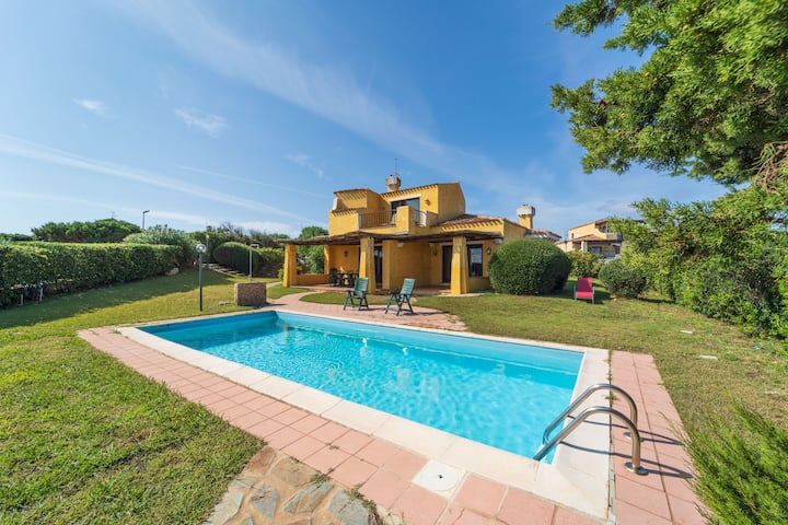 Charming Villa La Rocca with Pool, Air Conditioning, Wi-Fi, Balcony, Terrace, Sea View; Parking available