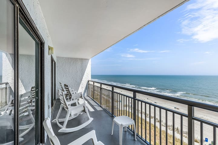Oceanfront with 30 ft balcony!