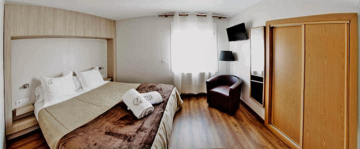Habitación doble en La Trobada Hotel Ripoll