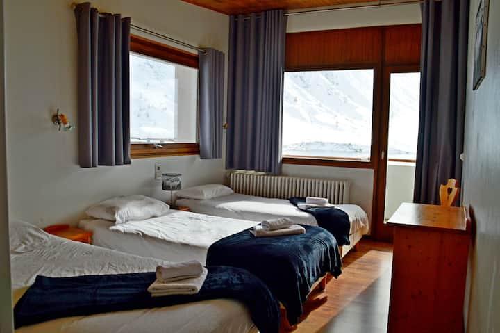 Chambre triple -vue sur le lac de Tignes
