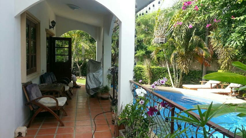 Huahin Villa, 2Bedroom, private Pools, 4 persons