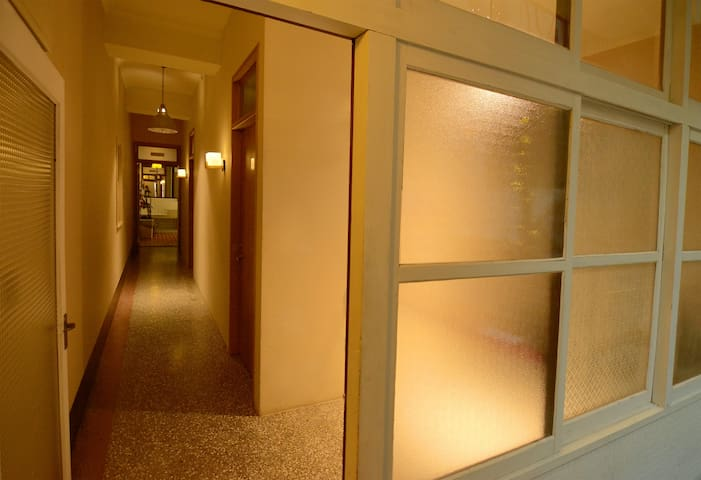 ★★ private room & Shilin Night Market & Metro ★★
