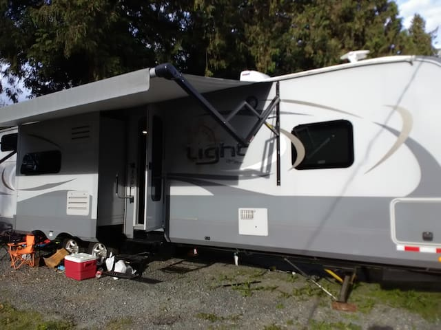 Luxurious Glamping  in new 2019  travel trailer