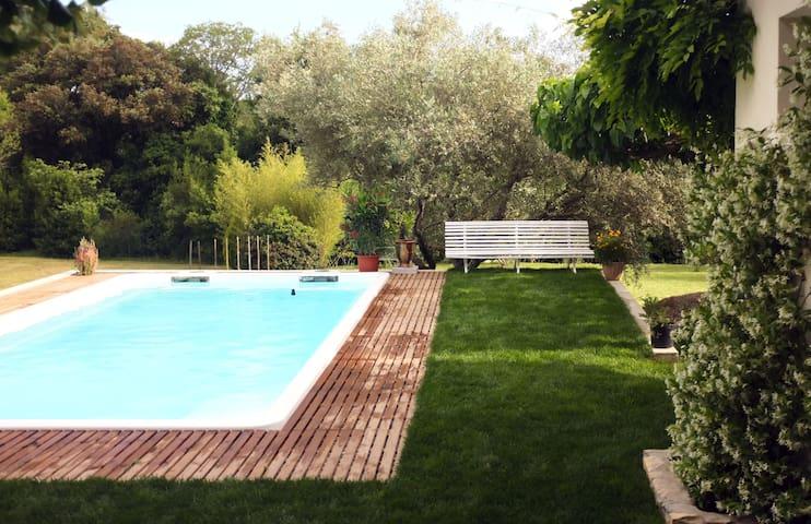 Maison calme avec piscine dans le piémont cévenol. - Durfort-et-Saint-Martin-de-Sossenac - Dům