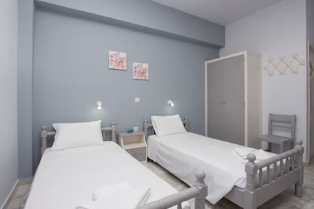 Theodora Studios for 2-3 guests in central Argasi!