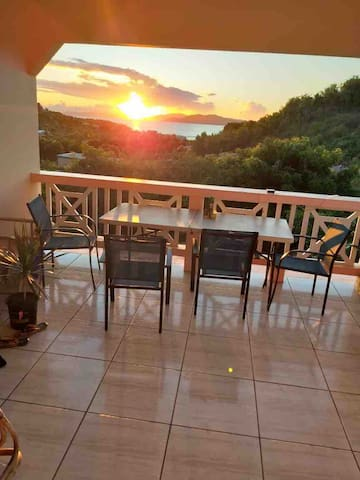 Cendra's Sunset Views In Paradise. (Value Garden)