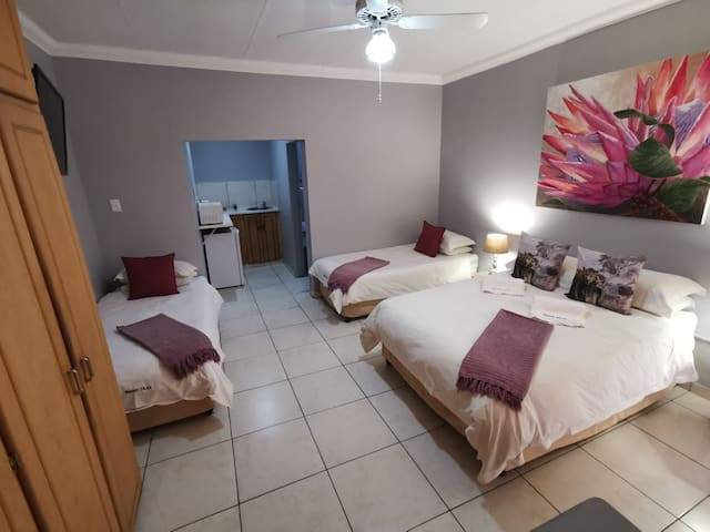 Namib Dlux Located in the heart of Bloemfontein