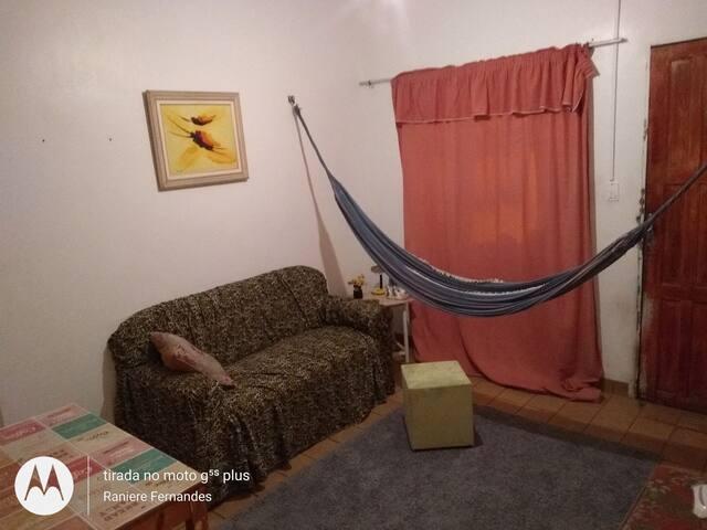 Alugo quarto!! preferência para gays