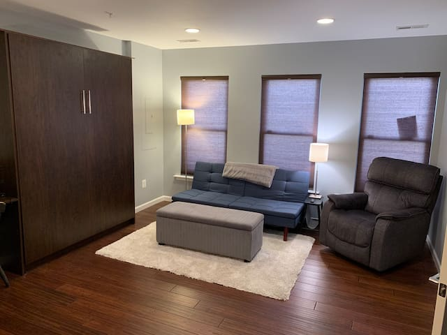 In-Law suite | private entrance | Navy Yard Metro