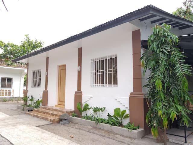 (Balai 1) ZamBalai Guesthouse - Cozy beach house