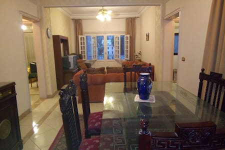 Sunny , cozy apartment at Downtown , Cairo.