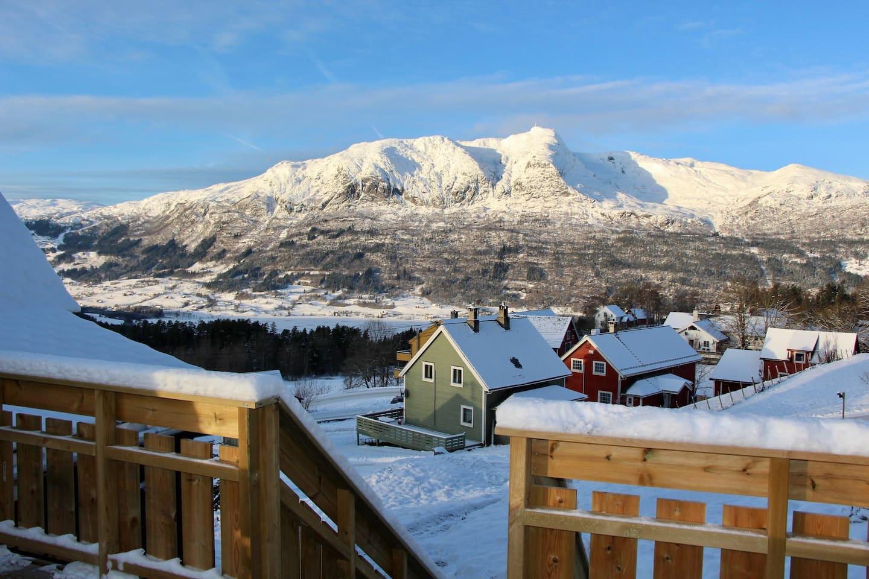 A winter atmosphere from the summer terrace facing Mt Lønahorgi (1410 mamsl).