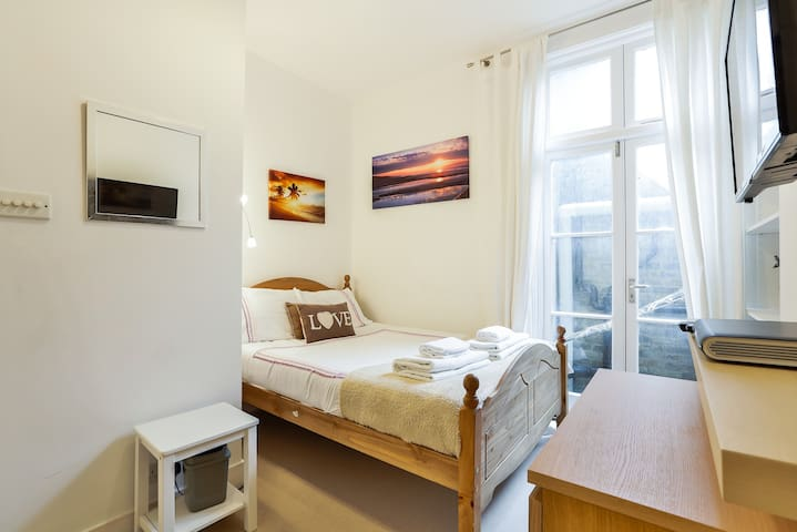 Cosiest Room in Fulham with Sky TV! - Lontoo