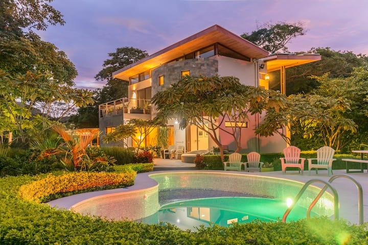 Villa Sadhana - modern beach oasis / host up to 16