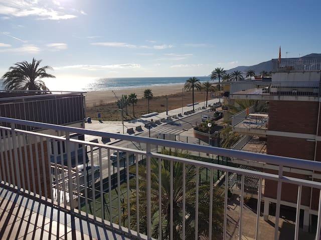 Mogaver beach Castelldefels, apartment sea views.