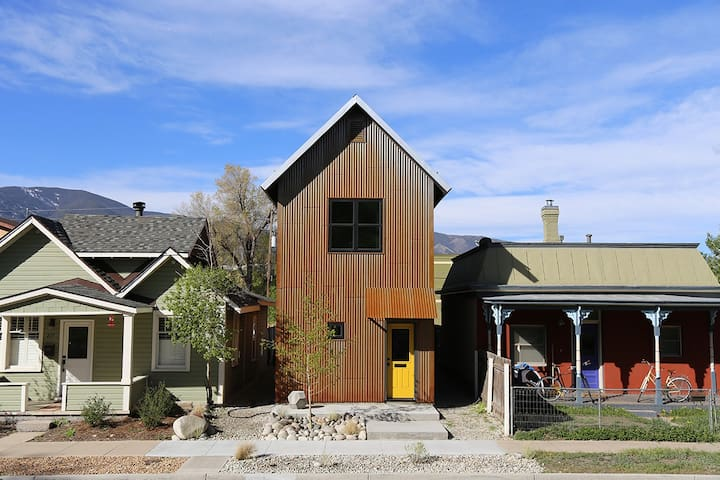 Tin Shed - A Modern Home in Historic Downtown - 薩利達(Salida) - 獨棟