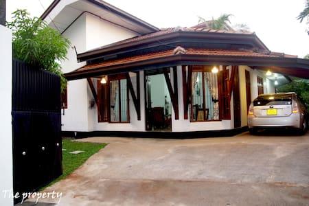 The Hermitage Negombo { price for Entire Villa } - Negombo