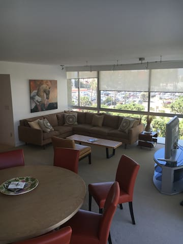Spacious 3 BED 3 full BA on beach!! - Coronado - Daire