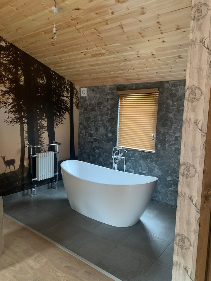Roe Lodge @Owlet Hideaway -Hot Tub -(new for 2021)