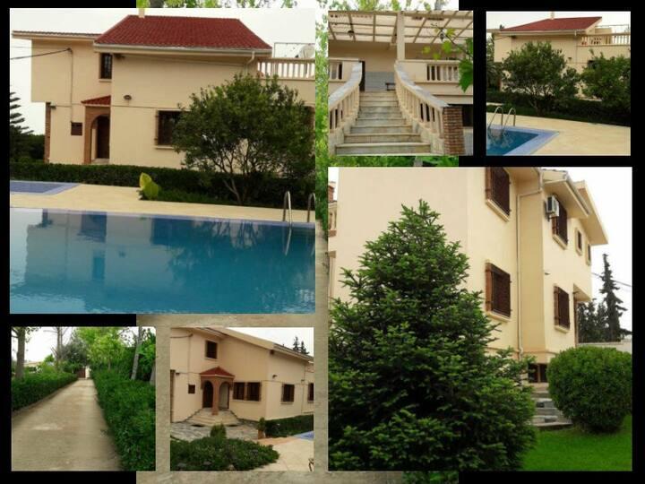 Villa luxueuse: Grande piscine et Paysage féerique