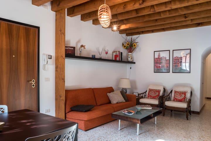 Cà Gioeli,soggiornare nella tranquilla Venezia - Apartments for ...