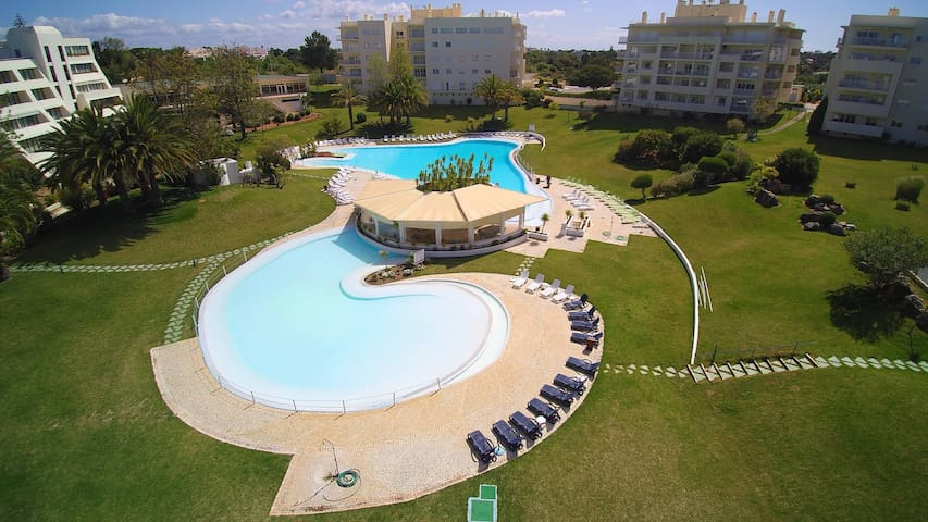 beautiful condominium besides Pestana Golf Academy