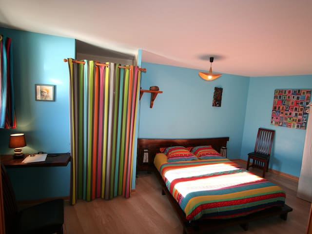 Double room-Cancun-Classic-Ensuite with Shower-Mountain View
