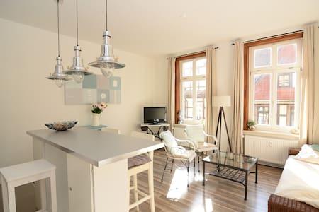 Schicke Altbauwohnung in der Fußgängerzone - Wernigerode - Appartement