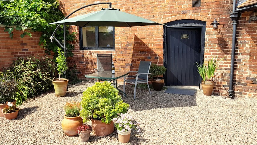 Cosy Bolt-hole for 2 in Stunning Hidden England
