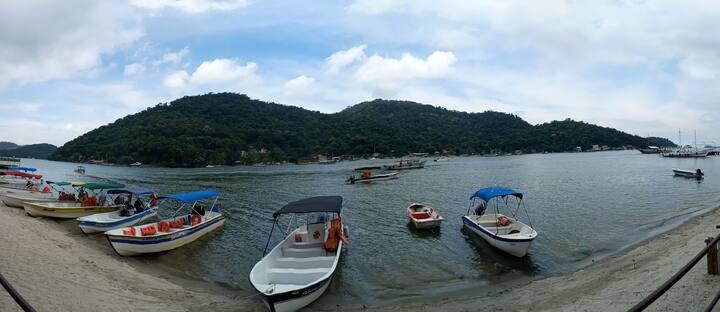 Praia, montanha,trilha,pesca e paz em um só lugar.