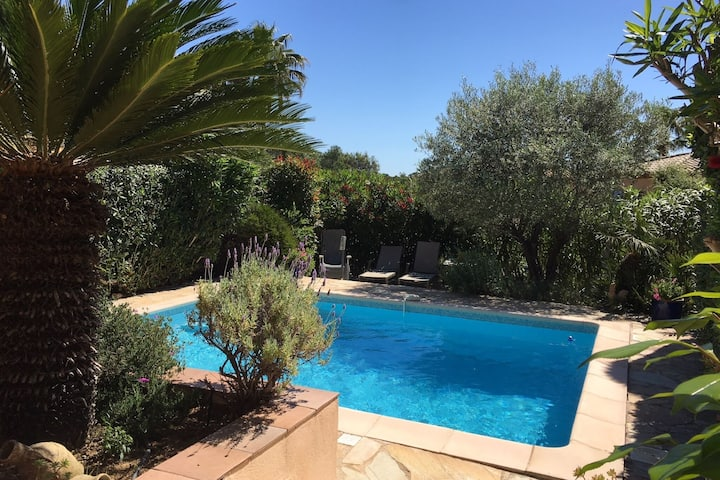 Beautiful villa with private pool, lovely terraces, privacy and near St. Tropez