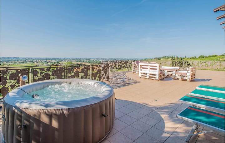 Stunning home in Rimini -RN- with WiFi and 4 Bedrooms