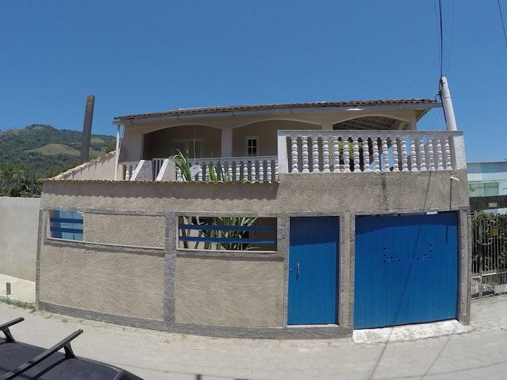 Casa na Praia do Saco.