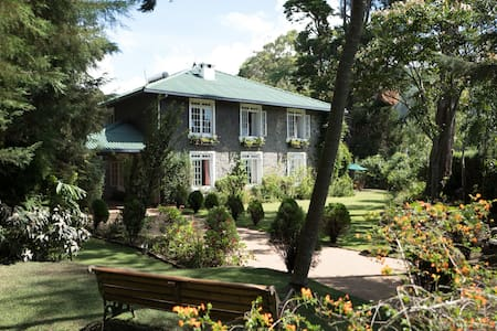 Stonyhurst - a luxurious cottage - Nuwara Eliya