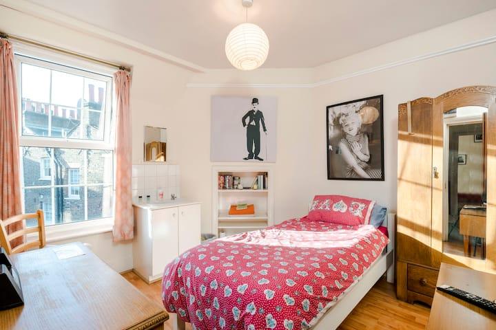 Comfy Single in Marylebone Village