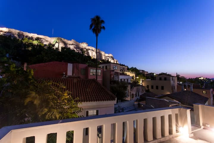 Plaka 360 apartment with Acropolis view