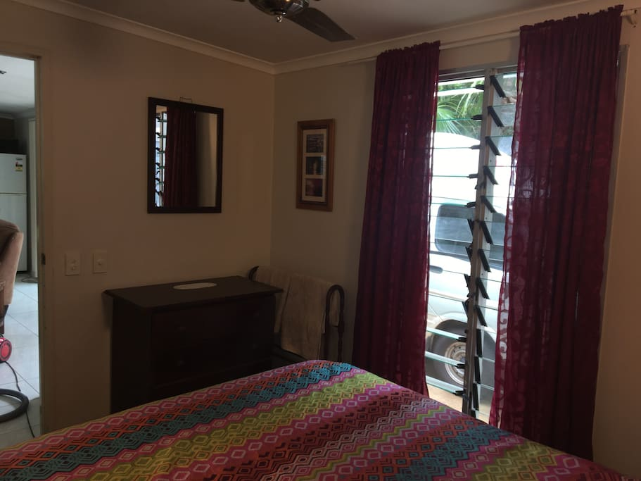 Private room in balinese style home maisons louer - The wing house maison ailee en australie ...