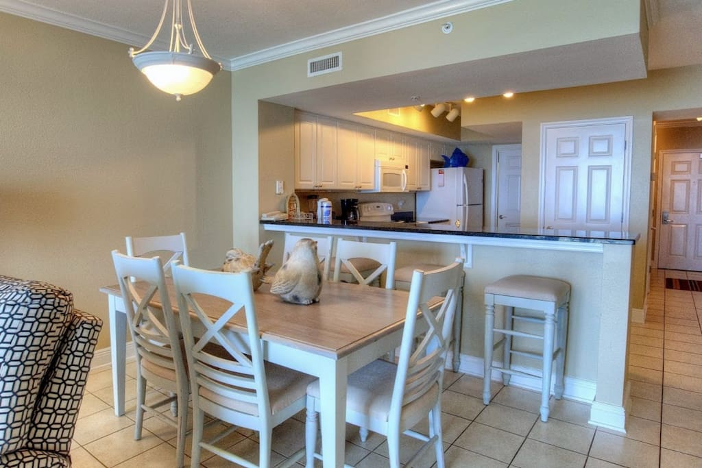 Enjoy dinner with the family in the beautiful unit.