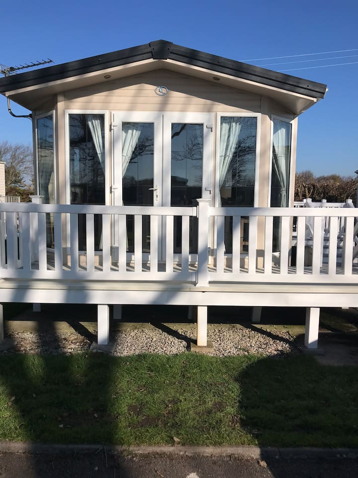 Seaclusion 2 bedroom caravan Dog Friendly