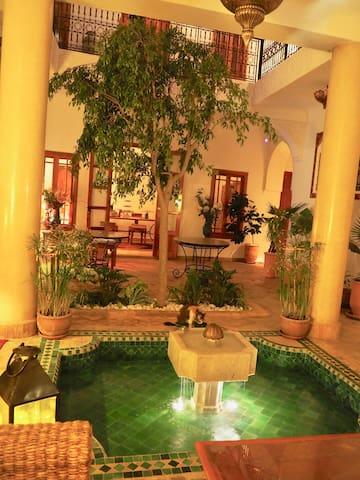 Riad Dar KASAL  Marrakech Médina Chambre Ouarzazat
