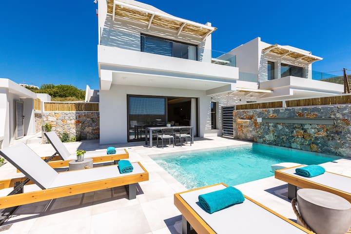 Villa Daphne-Naiades/ 2 bedrooms,luxury,beachfront
