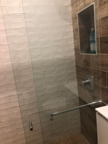 Great room with private bathroom in prime Bushwick